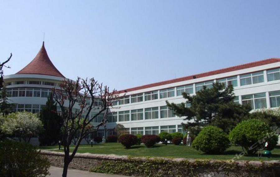 青岛花园大酒店