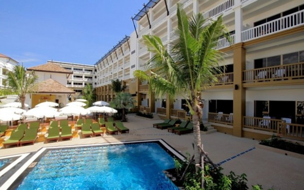 Kata Sea Breeze Resort Phuket (普吉岛卡塔海洋微风度假村)