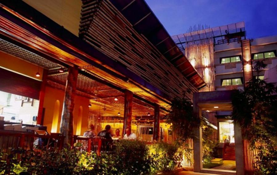 Bamboo House Phuket (普吉岛竹楼酒店)