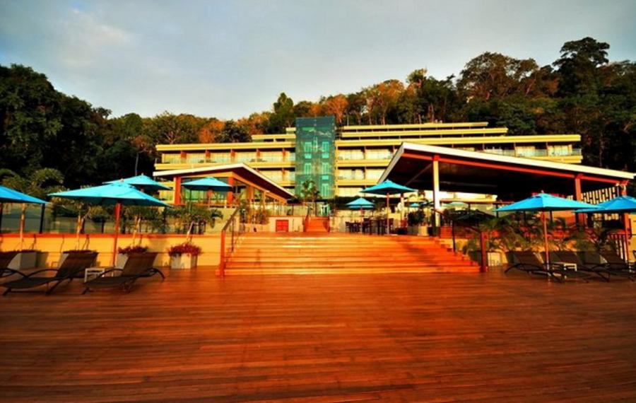 普吉岛芭东海滩感官度假酒店