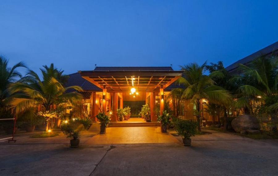 普吉岛幸运卡塔泳池别墅酒店
