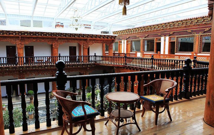 香格里拉朝圣家园酒店