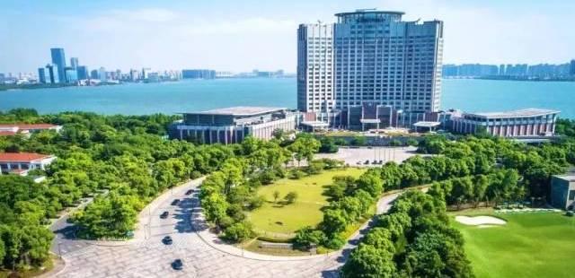 苏州金鸡湖凯宾斯基大台湾六合彩马头诗