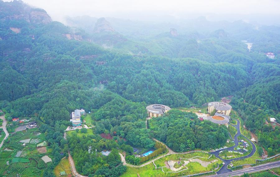 连城冠豸秘谷佰翔度假酒店
