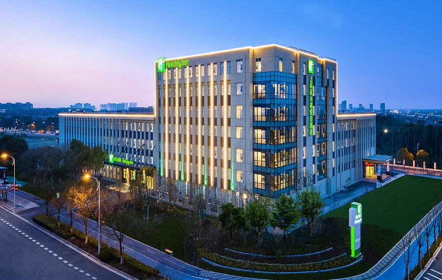 上海滴水湖假日酒店