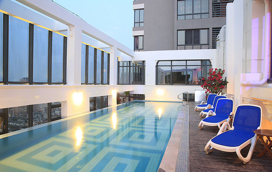 梵俪北海半岛中心空中泳池酒店