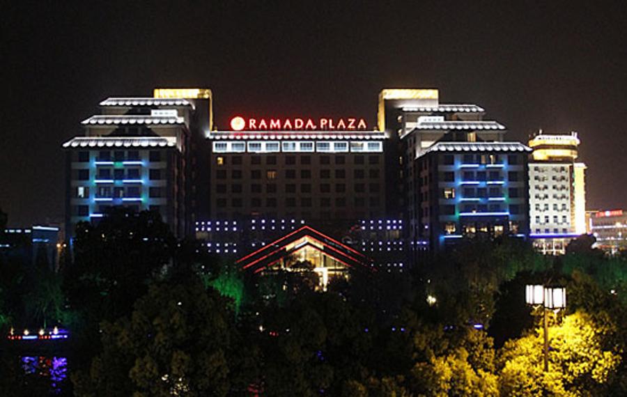 扬州凯莎华美达广场酒店