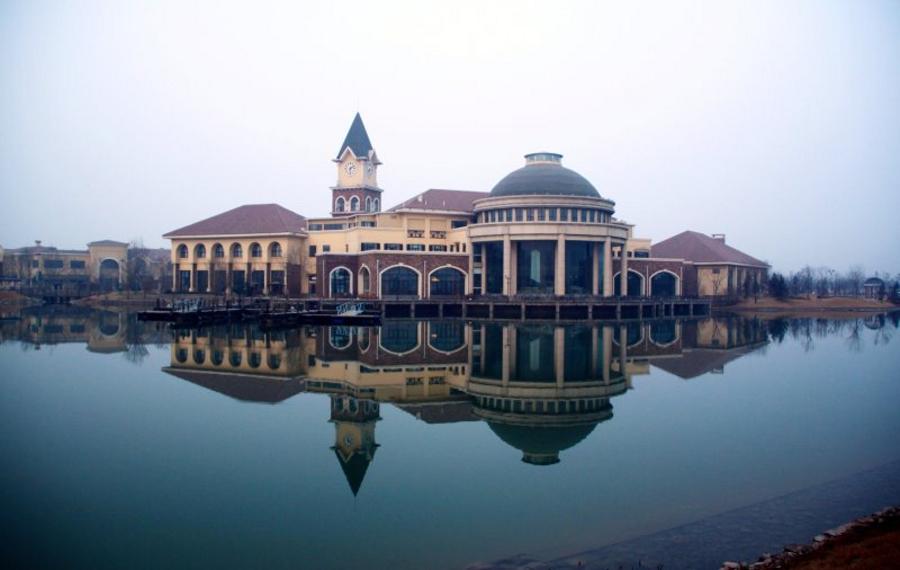 天津团泊湖温泉酒店