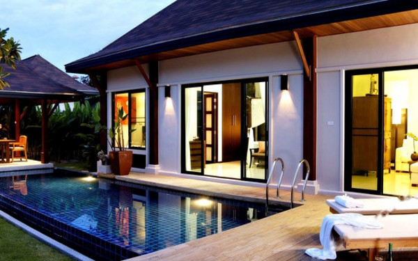 Two Villas Holiday Oriental Style Nai Harn Beach Phuket (普吉岛东方风格奈函海滩双别墅假日酒店)