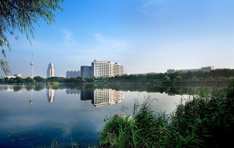 上海夏阳湖皇冠假日酒店