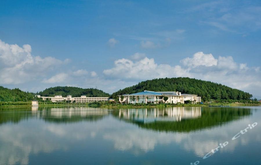 佛山高明富湾湖酒店