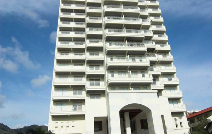 Waterfront Suites Phuket by Centara (普吉岛圣塔拉水滨套房酒店)
