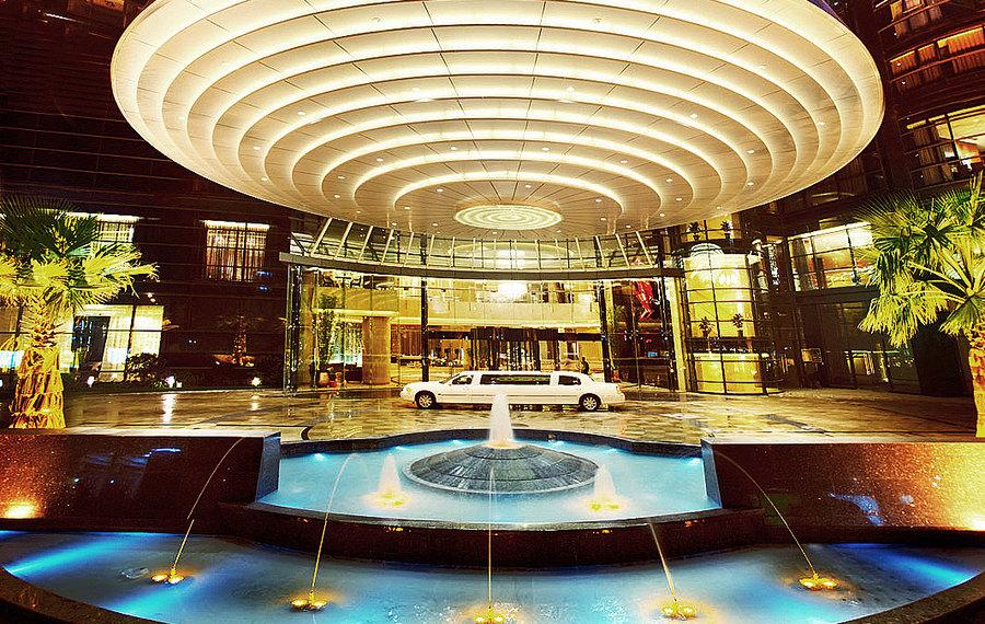 成都首座万丽酒店
