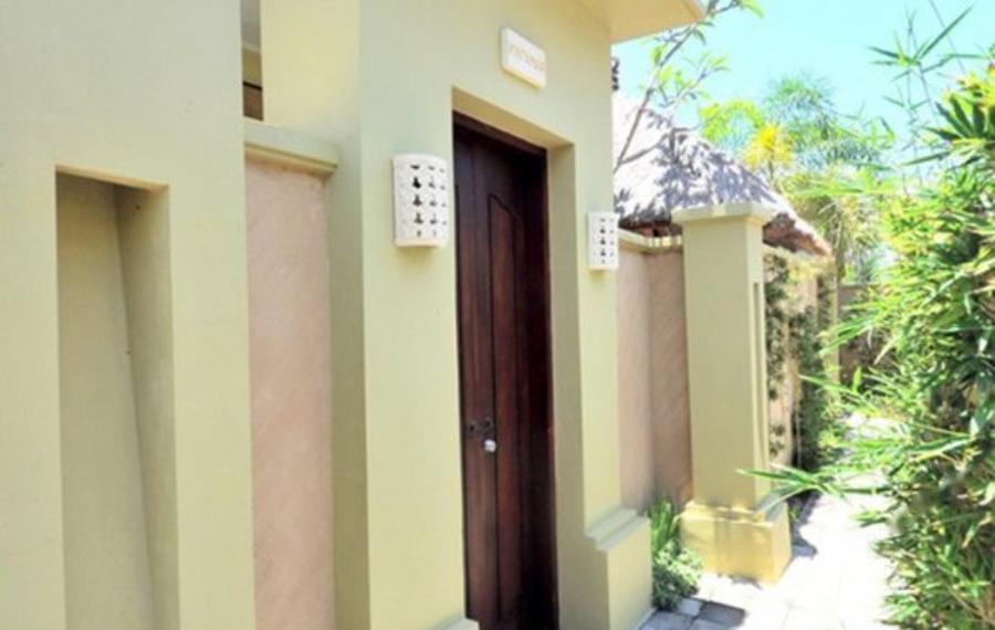 巴厘岛杰士绿色别墅水疗酒店