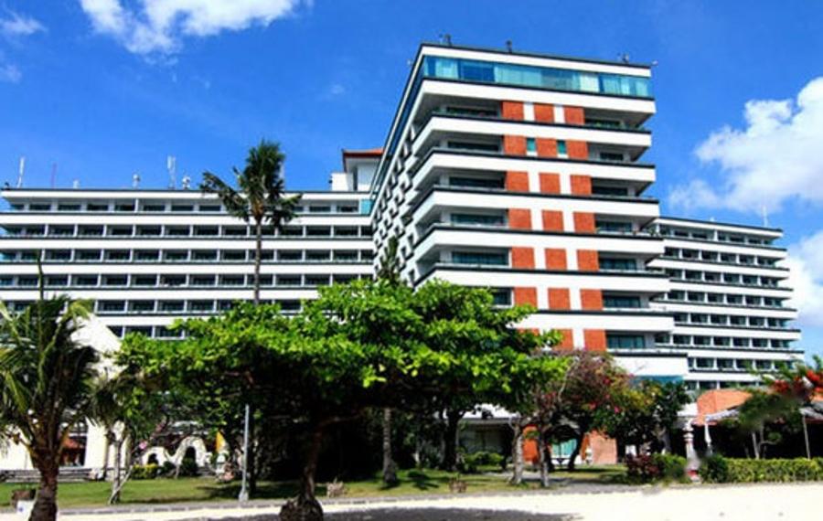 巴厘岛莱茵海滩酒店
