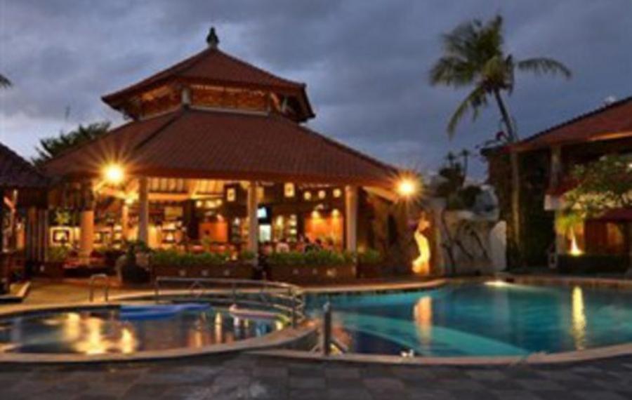 巴厘岛库塔海滩俱乐部酒店