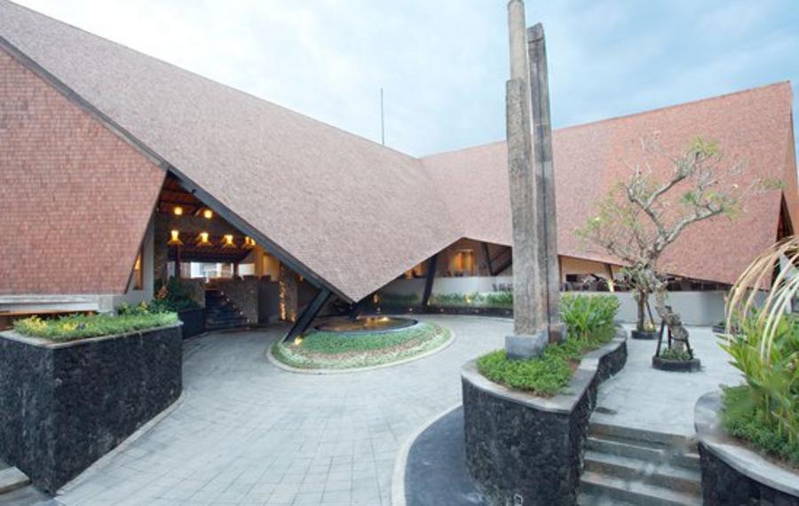 巴厘岛沙努尔绿洲礁湖酒店