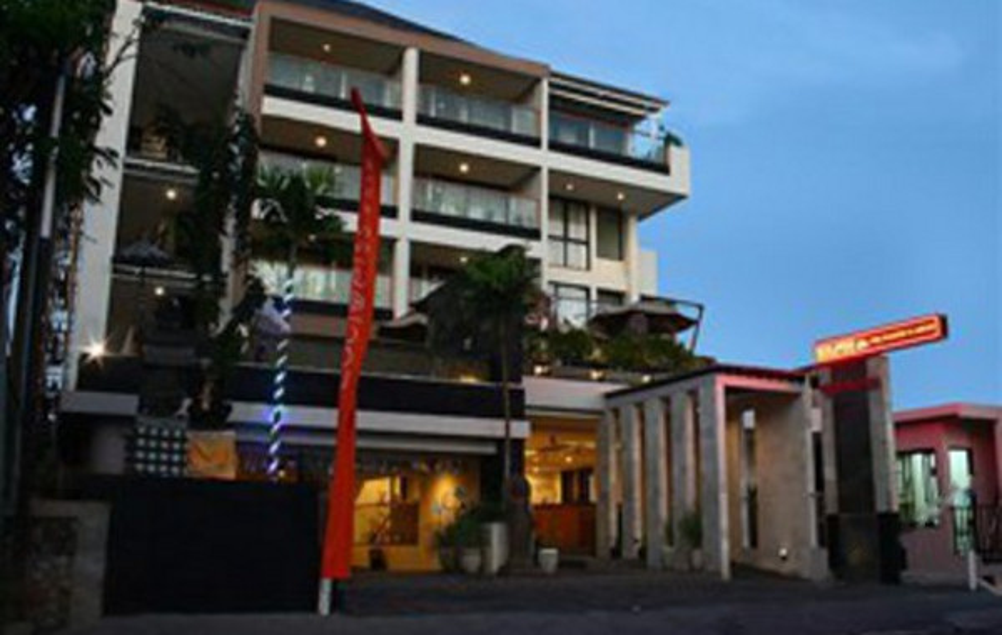巴厘岛库塔雪绒花精品酒店