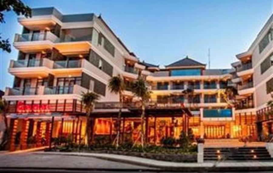 巴厘岛库塔海滩别墅酒店