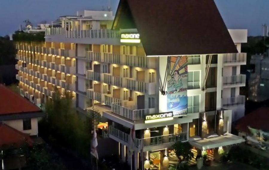 巴厘岛武吉金巴兰MaxOne酒店
