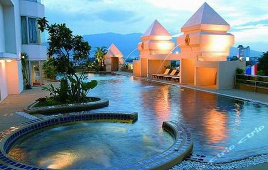 Chiang Mai Plaza Hotel (清迈广场酒店)