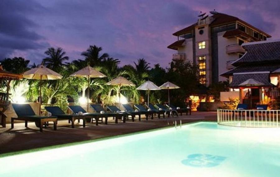 甲米海滩露台酒店