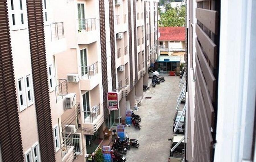 Panomporn Patong Place Phuket (普吉岛帕农普恩芭东广场酒店)
