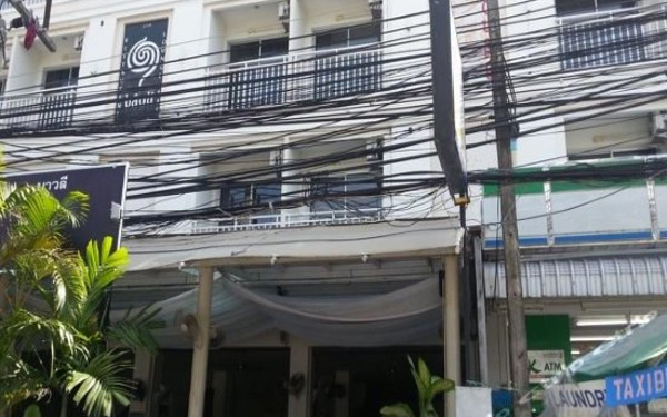 Golden House Hotel Phuket (普吉岛金屋酒店)