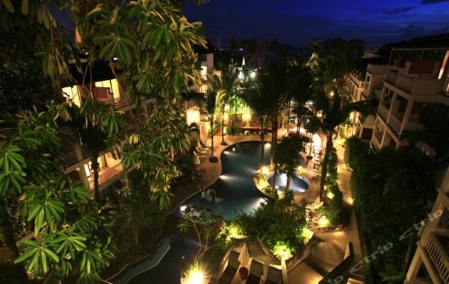 Sunset Beach Resort Phuket (普吉岛日落海滩度假酒店)
