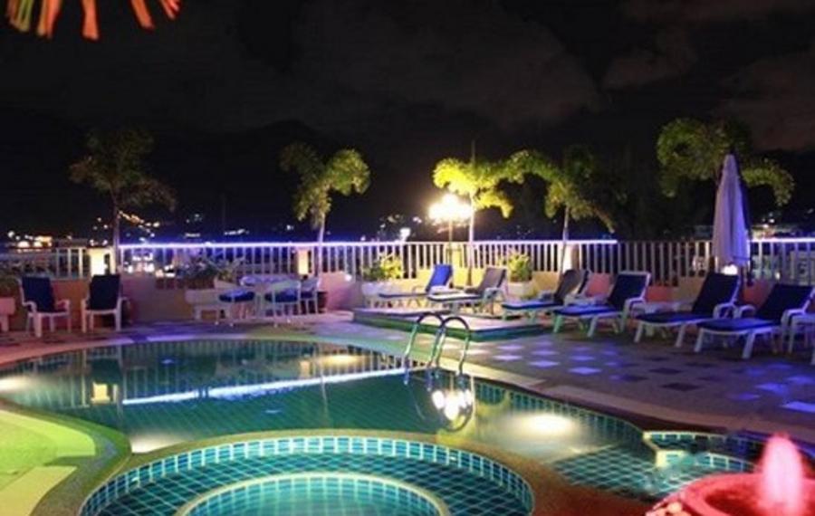普吉岛芭东海明威酒店