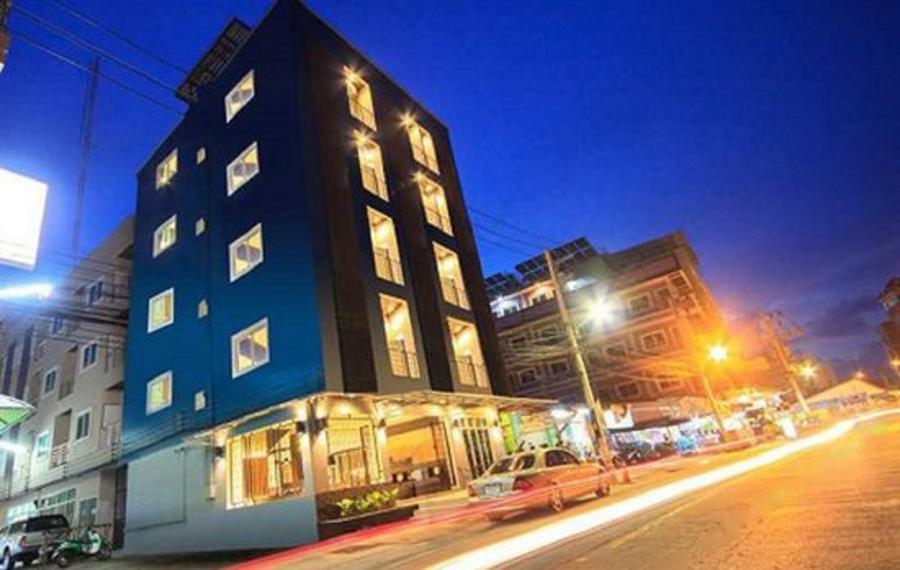 普吉岛芭东之旅酒店