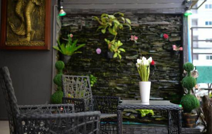 Phuket Lavender Hotel(普吉岛薰衣草酒店)