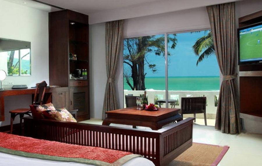 Safari Beach Hotel Phuket (普吉岛萨法里海滩酒店)