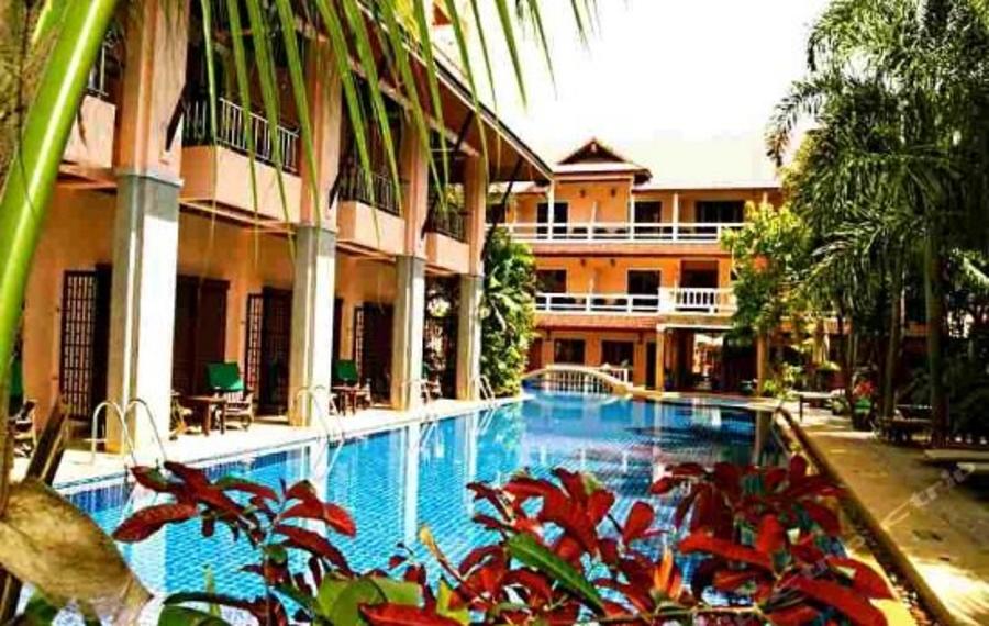 Thanthip Beach Resort Phuket (普吉岛谭迪普海滩渡假村)