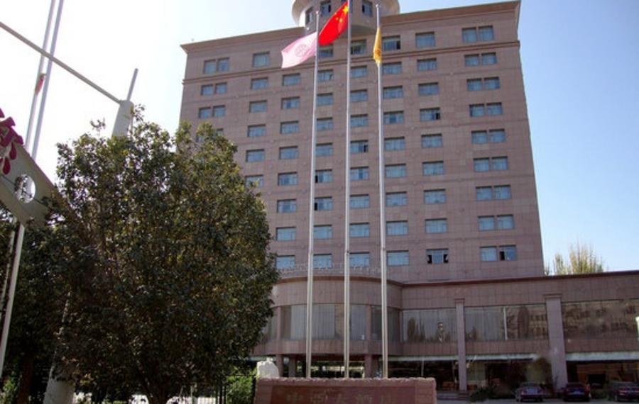 库尔勒轮台县中亚大酒店