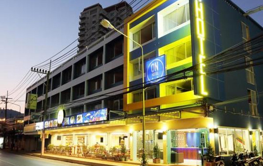ON Hotel Phuket(普吉岛昂昂酒店)