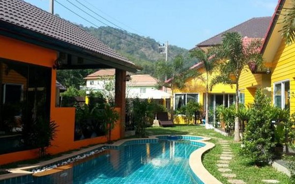 Lemon Tree Resort Naiharn Phuket(Lemon Tree Resort Naiharn Phuket)                又名:Lemon Tree Resort(柠檬树度假酒店)