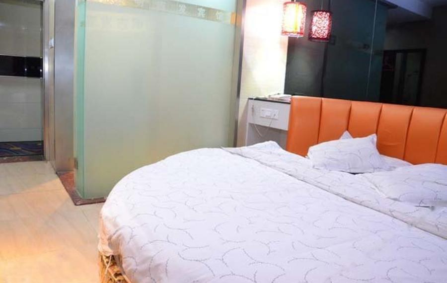 Chaweng Inn(查汶海酒店)