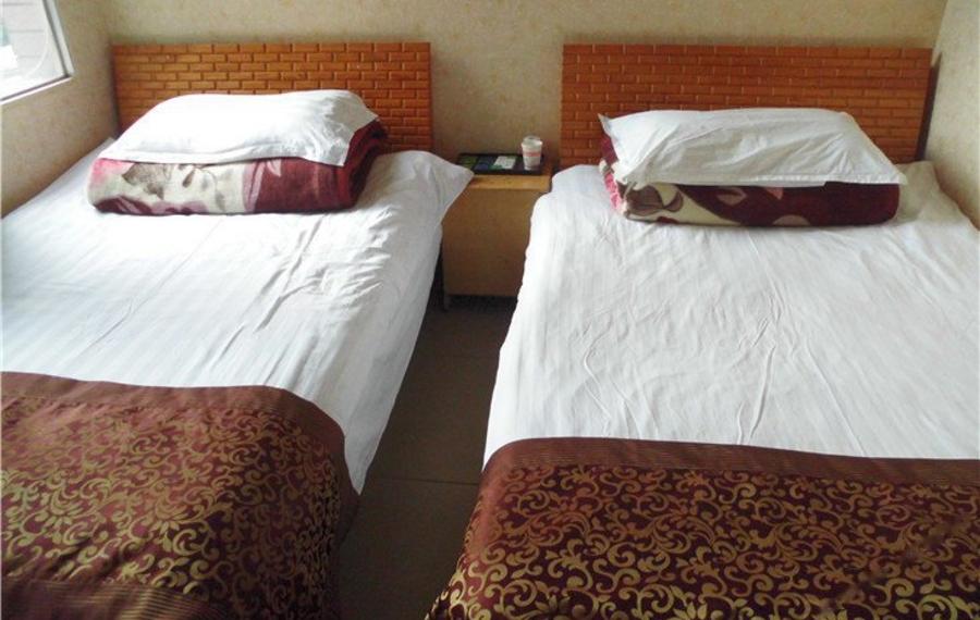 Benyada Lodge - Surin beach(苏林海滩本雅达洛奇酒店)                又名:Benyada Lodge (Surin beach)(本雅达洛奇酒店(苏林海滩))