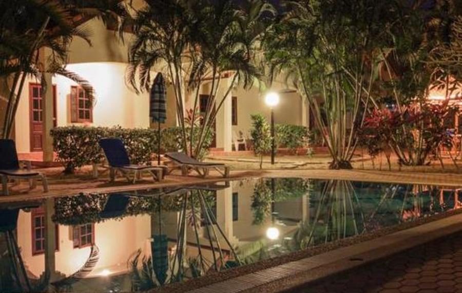 Rawai Garden Bungalows(拉威花园别墅酒店)                又名:Rawai Garden Bungalows(拉瓦花园平房酒店)